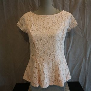 NWT! 🛍 Pastel Pink Lace Peplum Top